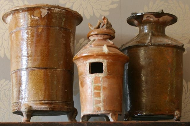 Unique brown glazed Han dynasty pot