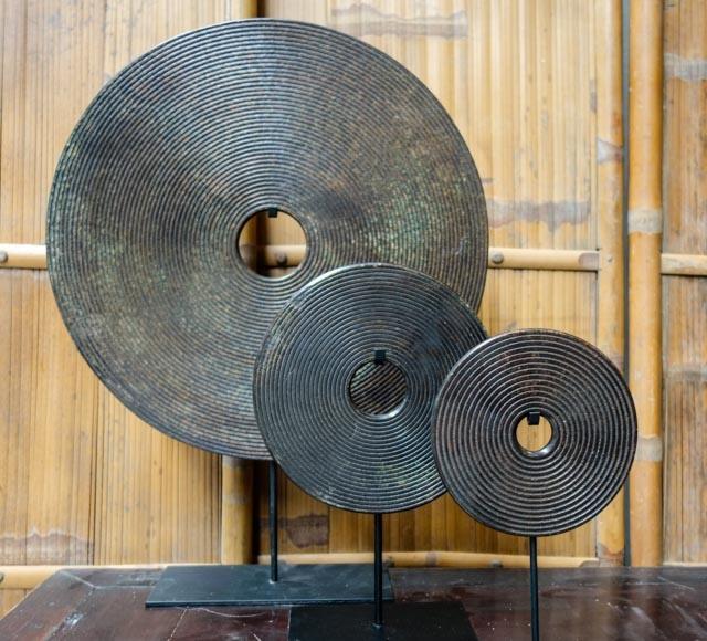 Dark Brown Bi disc with carved circles – 40cm