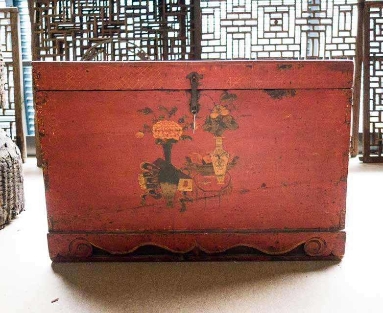 Painted Chinese chest