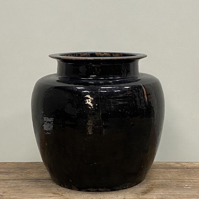 Large and heavy black glazed pots