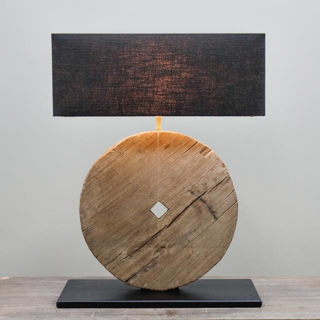 Wooden wheel lamp