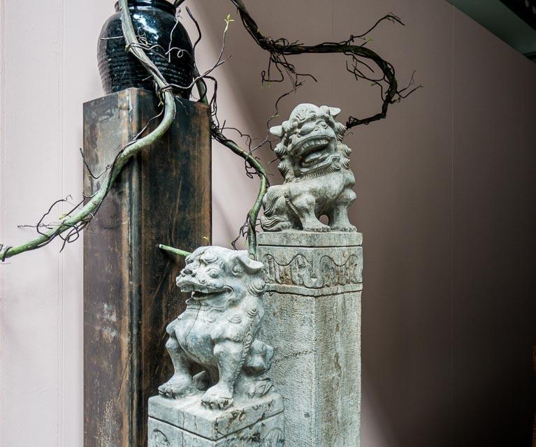Poste d'attelage sous forme de lion de pierre de 1,4M