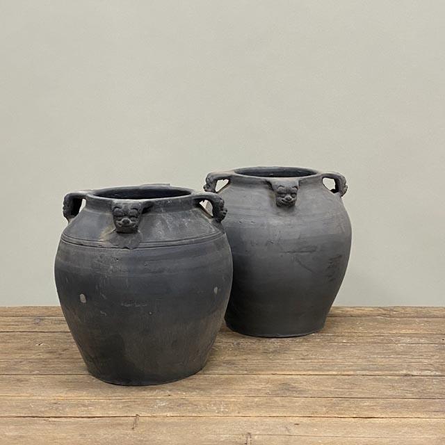 Unglazed grey pots with 4 lion ears