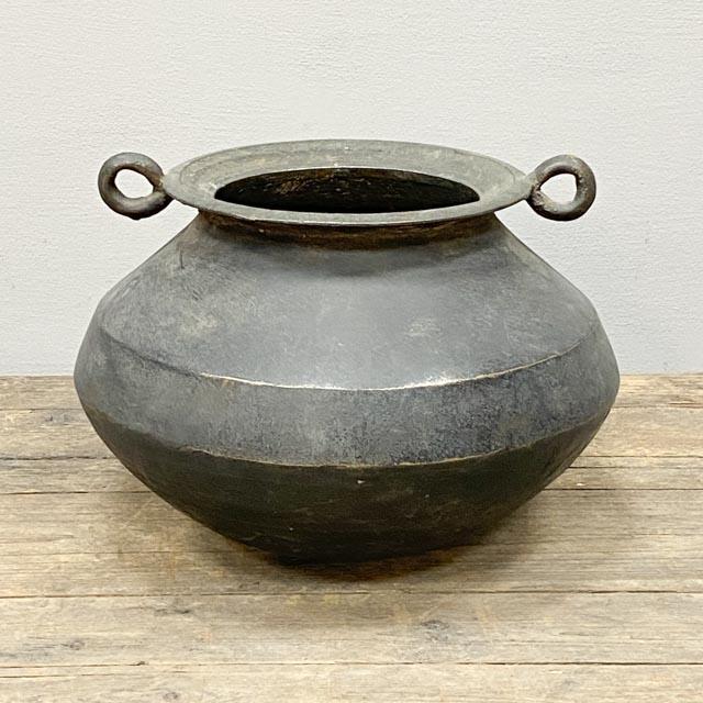 Old Kanskandi cooking pot