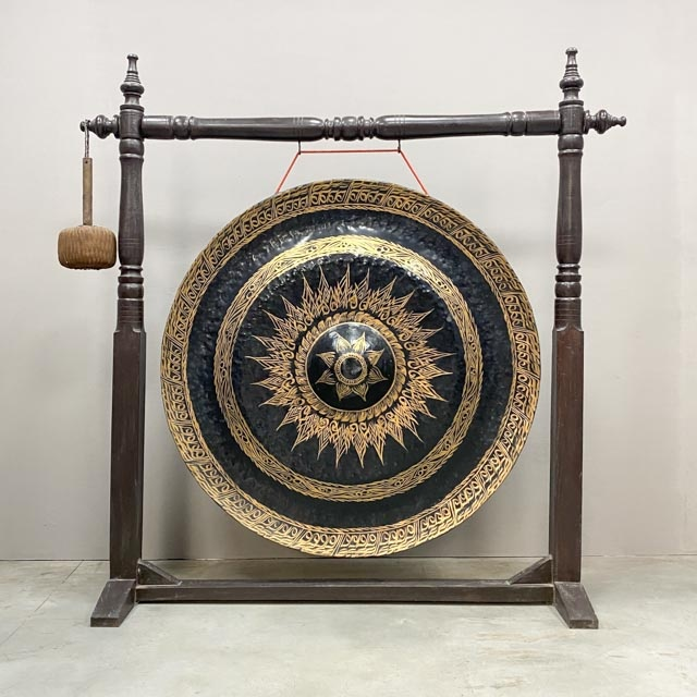 Large Thai gong with original stand