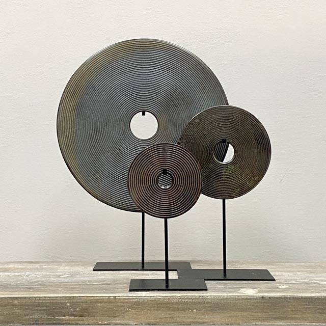 Dark Brown Bi disc with carved circles – 20cm
